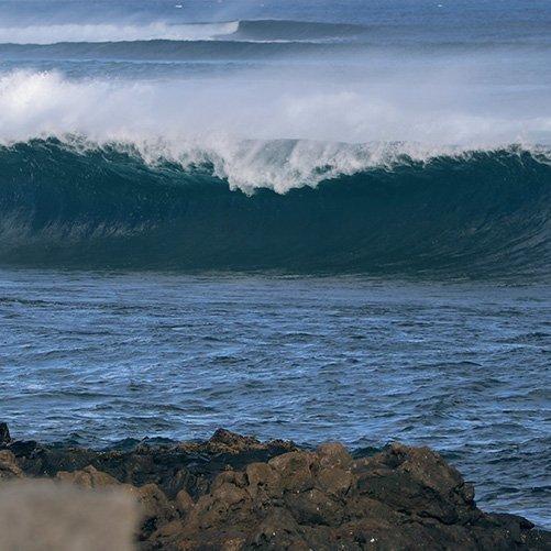 el cagao surf spot lanzarote famara square
