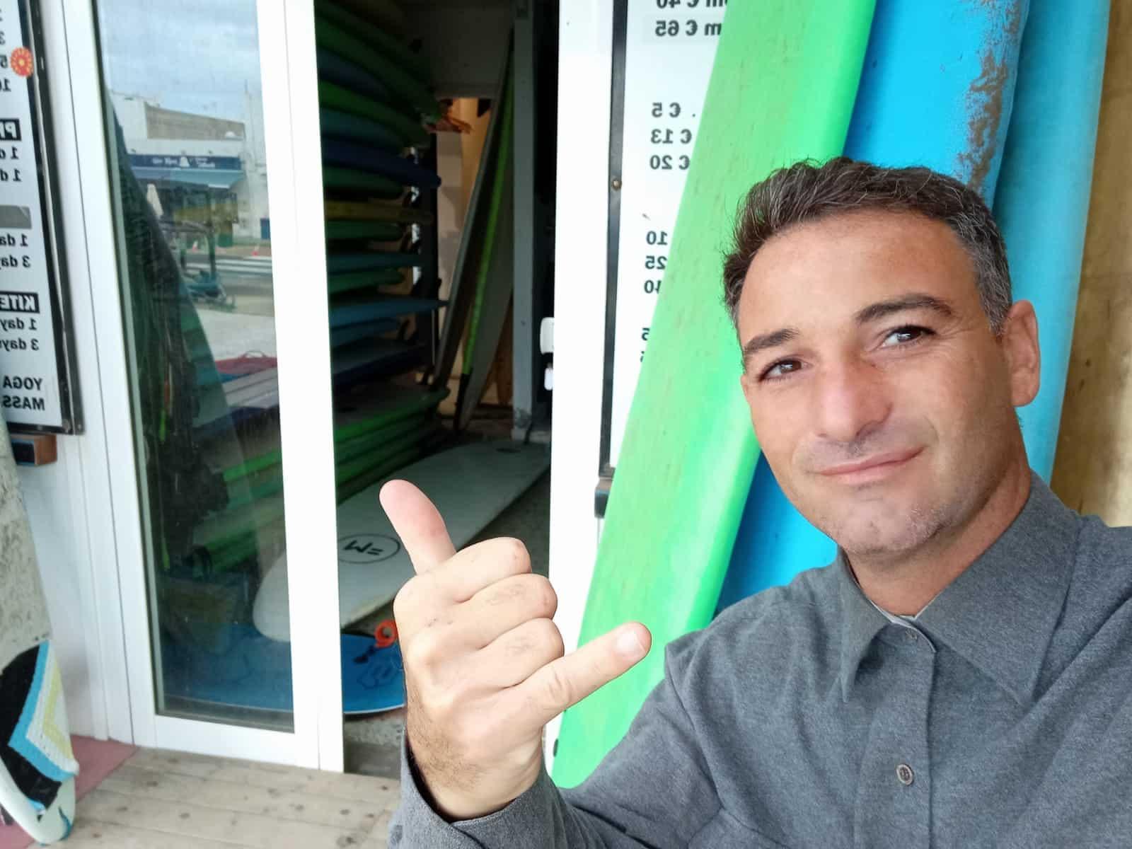 Surf Shop Assistant Rafael